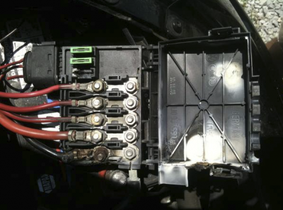 citroen c5 vtr 160 hdi fuse box spontanously melted page. Black Bedroom Furniture Sets. Home Design Ideas
